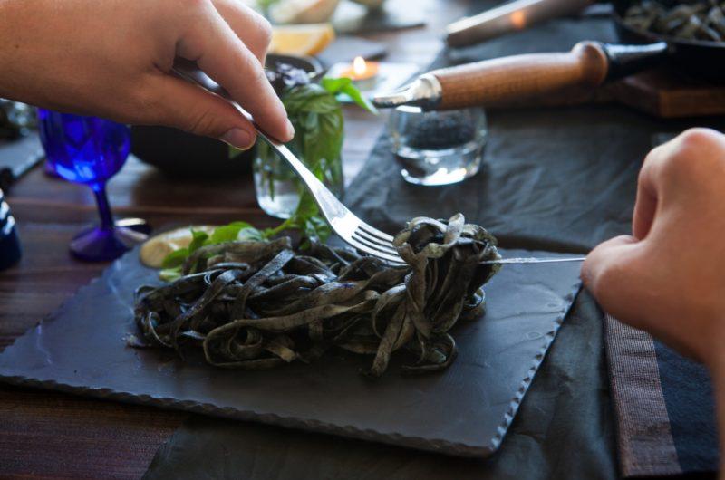 【沸騰ワード】イカのスミ煮のレシピ|志麻さん【1月8日】