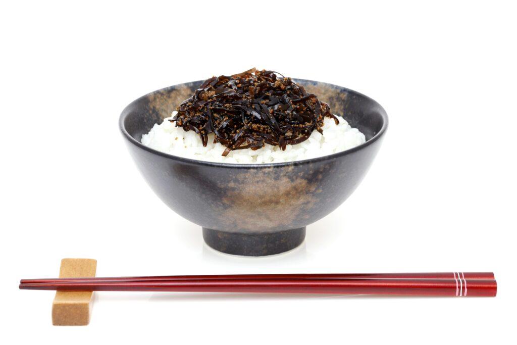 亮平 林 【ごごナマ】林亮平の新玉葱と豚のいりこレモン生姜焼きのレシピ?経歴や「てのしま」について!